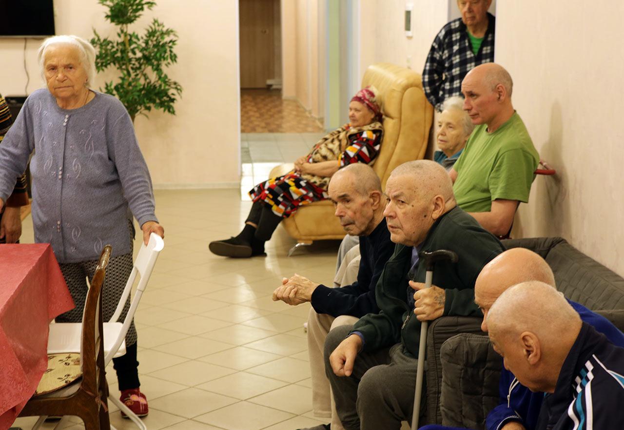 Пансионат для лежачих больных в дмитрове сколько лежать в больнице после перелома шейки бедра