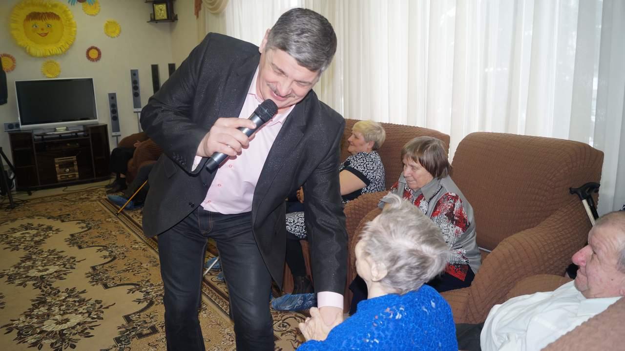 Пожилые люди домов интернатов пансионат для пожилых в токсово