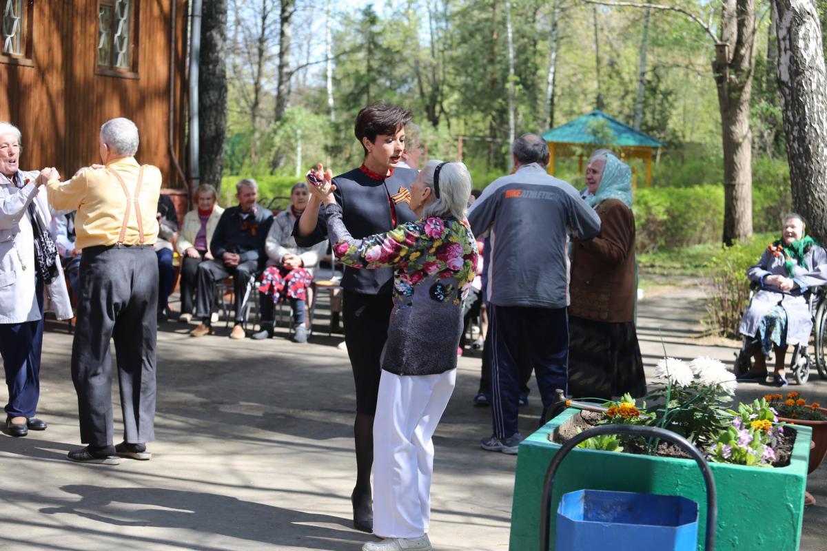 Королевский дом интернат для престарелых и инвалидов сторожем в москве в частном доме