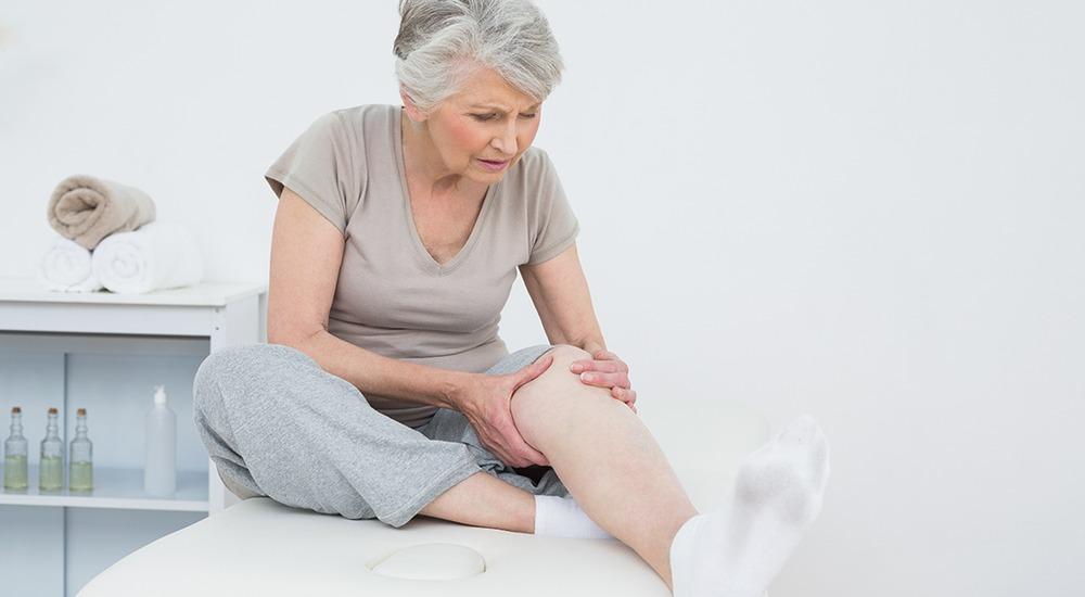 Чем лечить отечность ног у пожилых людей
